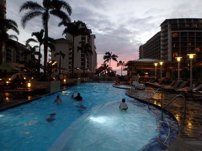 夕方のプール