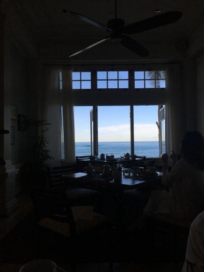 おしゃれは窓からみえる海