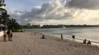 ホテル前のビーチ