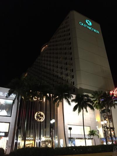 街中で夕食後もすぐホテルに戻れます
