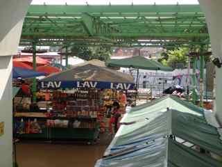 ゼレニ ベナッツ市場
