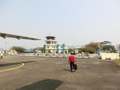 バラトプル空港 (BHR)