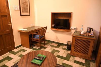 ニランバグ パレス ホテル