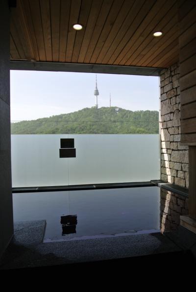 SPAは有料(@10000W)ですが南山タワーが見える貸切露天風呂でした