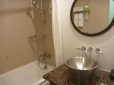 シャワーは固定ではありません。
