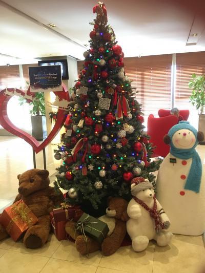 昨年12月の宿泊時にはロビーにツリーが飾られていました