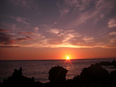 ワイコロアビレッジから見る海に沈む太陽