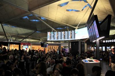 ロンドン・スタンテッド空港 (STN)