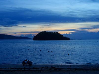 ビーチとアルパット島