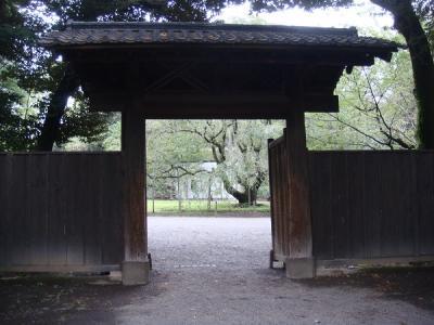 六義園 内庭大門