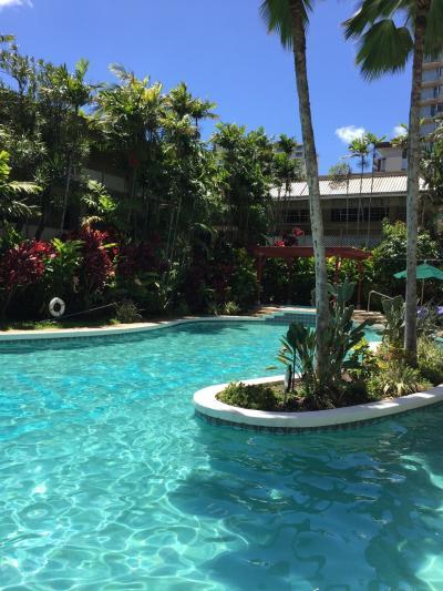 ホテルにあるプールです。こじんまりしてますが、ノンビリ出来て