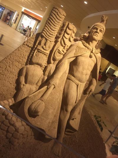 ロビーの砂の彫刻