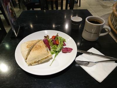のDEAN & DELUCAの朝食