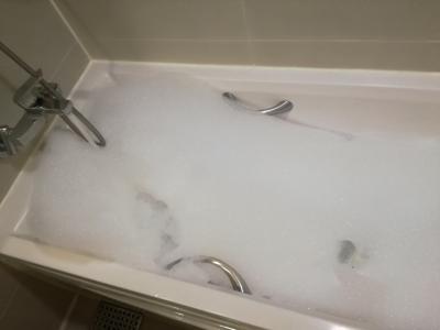 アメニティのシャワージェルで泡風呂