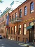 カウナス市内の便利な立地で綺麗なホテルwith無料駐車場
