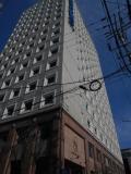 東横インスタンダードなホテル、幹線沿いと分かりやすい場所に建っています。