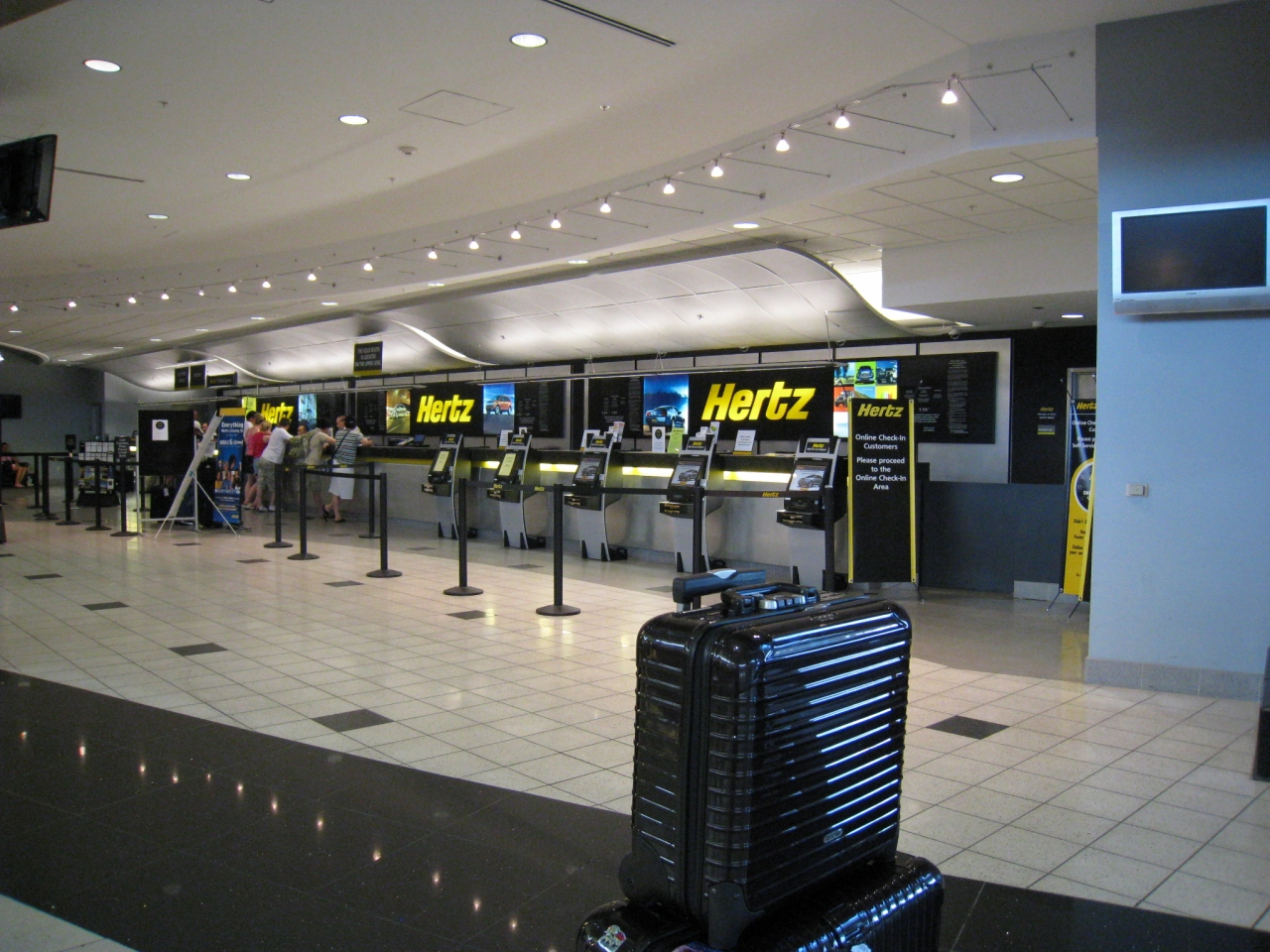 Get the best rental car deals from Hertz at Las Vegas Airport. Get quick service and additional perks with Hertz Gold Plus Rewards Program at Las Vegas!