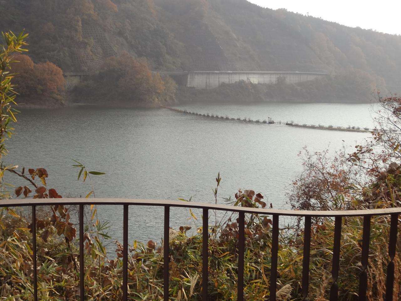 知明湖(一庫ダム)