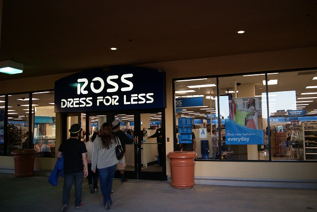 If you're looking to elevate your wardrobe, there's no doubt you should head to Ross Dress For Less in Los Angeles. Hats, scarves and gloves can do wonders in keeping you warm. Ross Dress For Less has many to choose from, so come browse. Fashionistas rejoice! At this store, you will find great women's clothing items at a price you can't find anywhere ciougrinso.cfon: East 9th Street, Los Angeles, , CA.