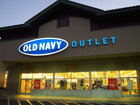 OLD NAVY Outlet Old Navy is a brand that prides itself on making current American fashion essentials accessible to every family. The 15, square-foot store is located at Mall Entrance Three in a wing that is also occupied by Old Navy's parent store, Gap.