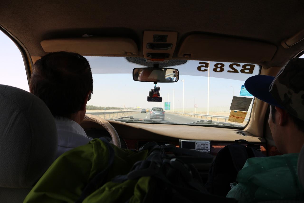 テヘラン市内・空港間の移動