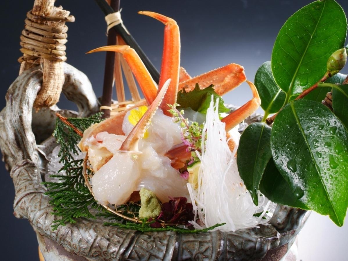 【タグ付き活蟹フルコース】日本海の港で水揚げされた新鮮活蟹! 写真