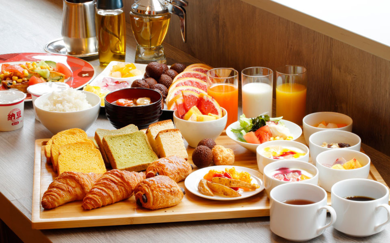 和洋ブッフェスタイルの朝食で元気に1日をスタート!