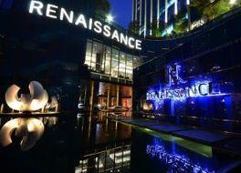 ルネッサンス バンコク ラッチャプラソーン ホテル 写真