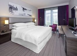 シェラトン デュッセルドルフ エアポート ホテル 写真