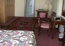 ナポレオン ホテル 写真