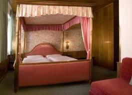 ホテル ホヘンスタウフェン 写真