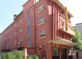 ホテル ピアヴ