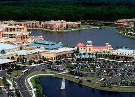 ディズニーズ コロナード スプリングス リゾート 写真