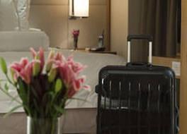 ホテル エミリアーノ