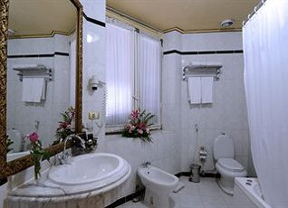 パラダイス イン ル メトロポール ホテル 写真