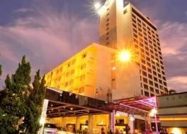 ポーンピン タワー ホテル 写真