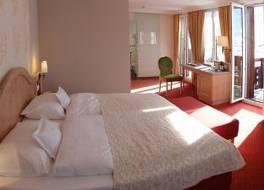 ロマンティック ホテル シュウェイザーホフ 写真
