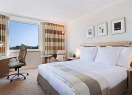 ヒルトン デュッセルドルフ ホテル 写真
