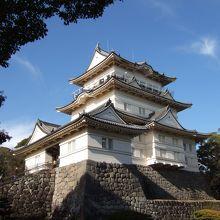 小田原城は歴史的建造物としても有名ですが、梅・桜などの花見も楽しめる