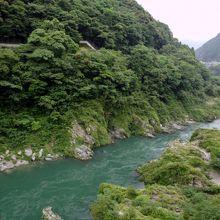 四國三郎・吉野川の渓谷風景