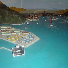 酒田港の模型、船の動く入出港模型もあります
