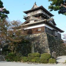 創建当時の姿を維持する天守を有する丸岡城