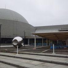 こども科学館のりっぱなヤツ。プラネタリウムを見ないなら、わざわざ東京から行かなくてもいいかな・・