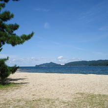美しい白い砂浜