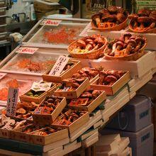 金沢の台所 近江町市場 蟹を買うならここ