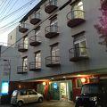 昭和薫るレトロなホテル。低料金で助かります!