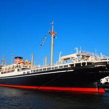 勇壮な船。横浜市の有形文化財です。
