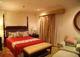 ホテル サラトガ 写真