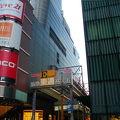 写真:阪急東通り商店街