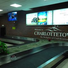 シャーロットタウンの空港は小さく分かりやすい